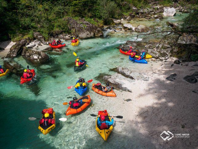 Packrafts auf der Soca © Land Water Adventures