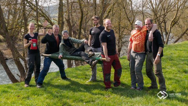 Gruppenbild Erste Hilfe Outdoor Kurs © Land Water Adventures