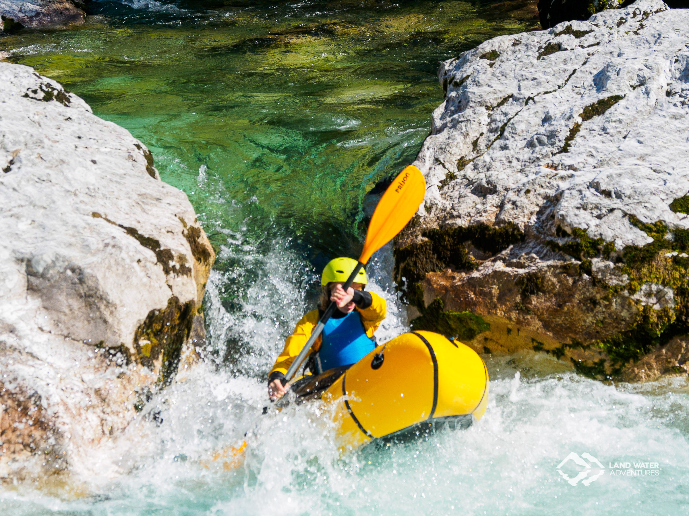 Advanced Wildwasser Packrafting auf der Soca © Land Water Adventures