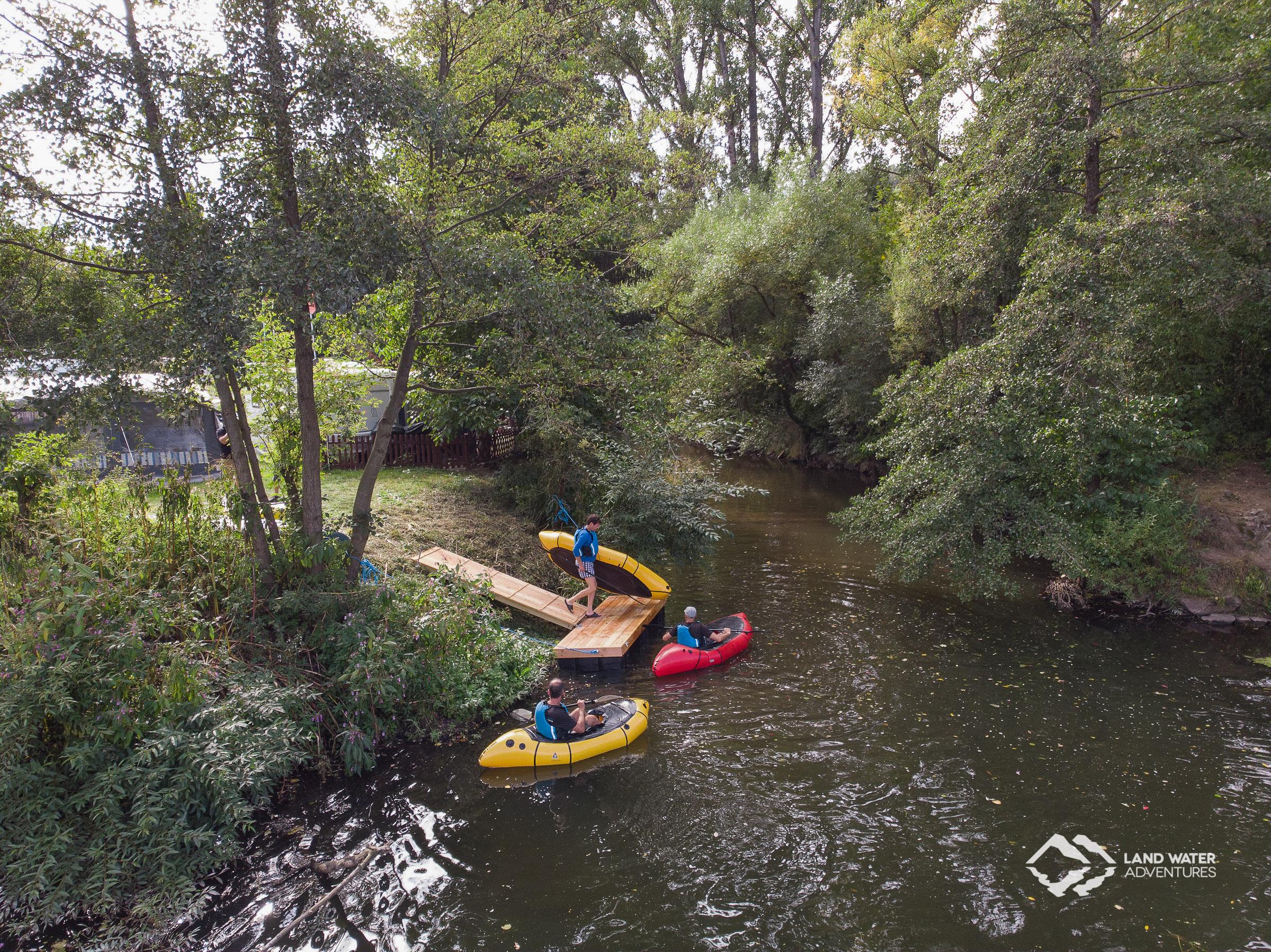 Steg am Campingplatz Nahe-Alsenz-Eck beim Saisonabschluss © Land Water Adventures