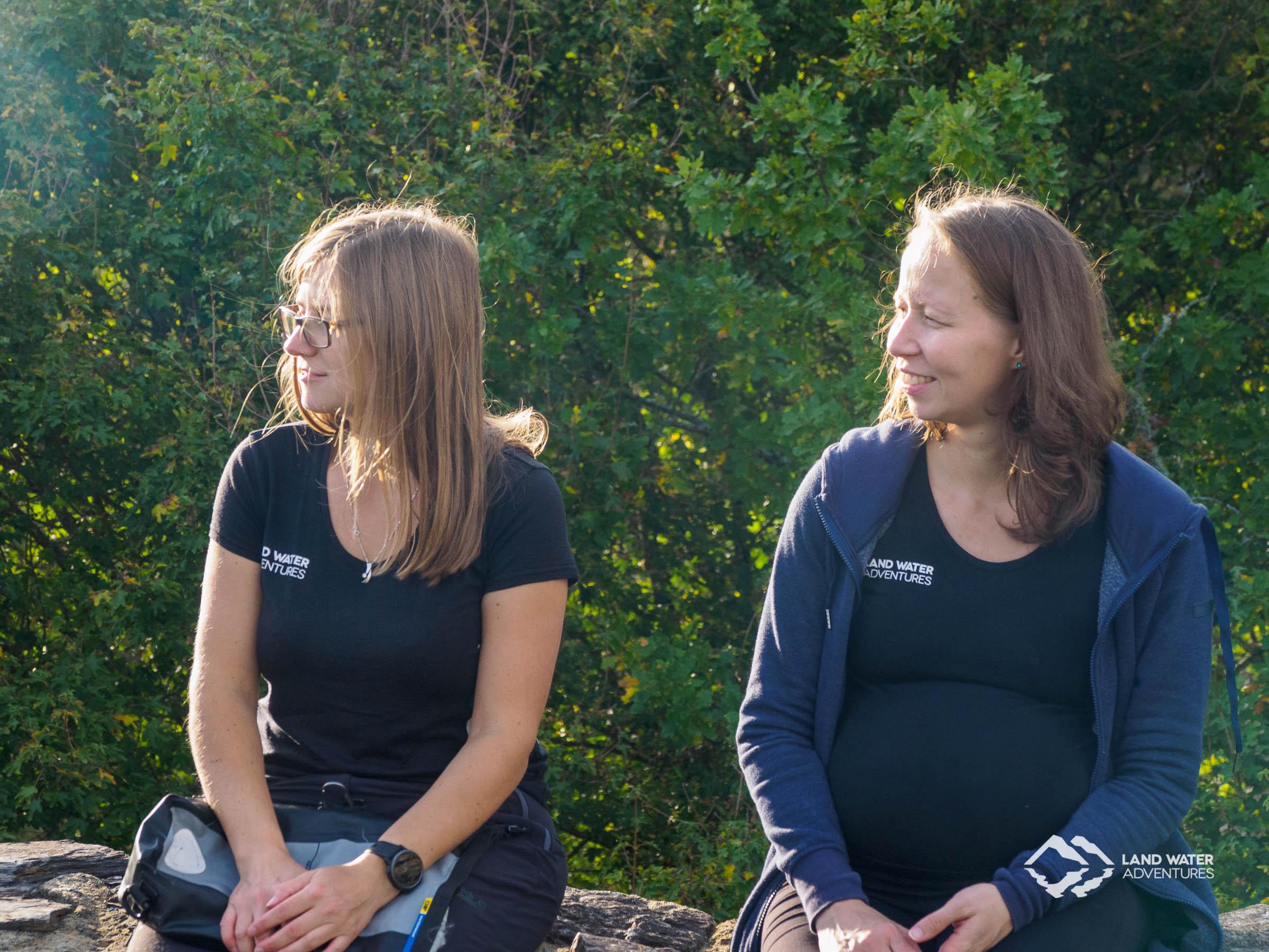 Moni und Cora vom LWA Team © Land Water Adventures