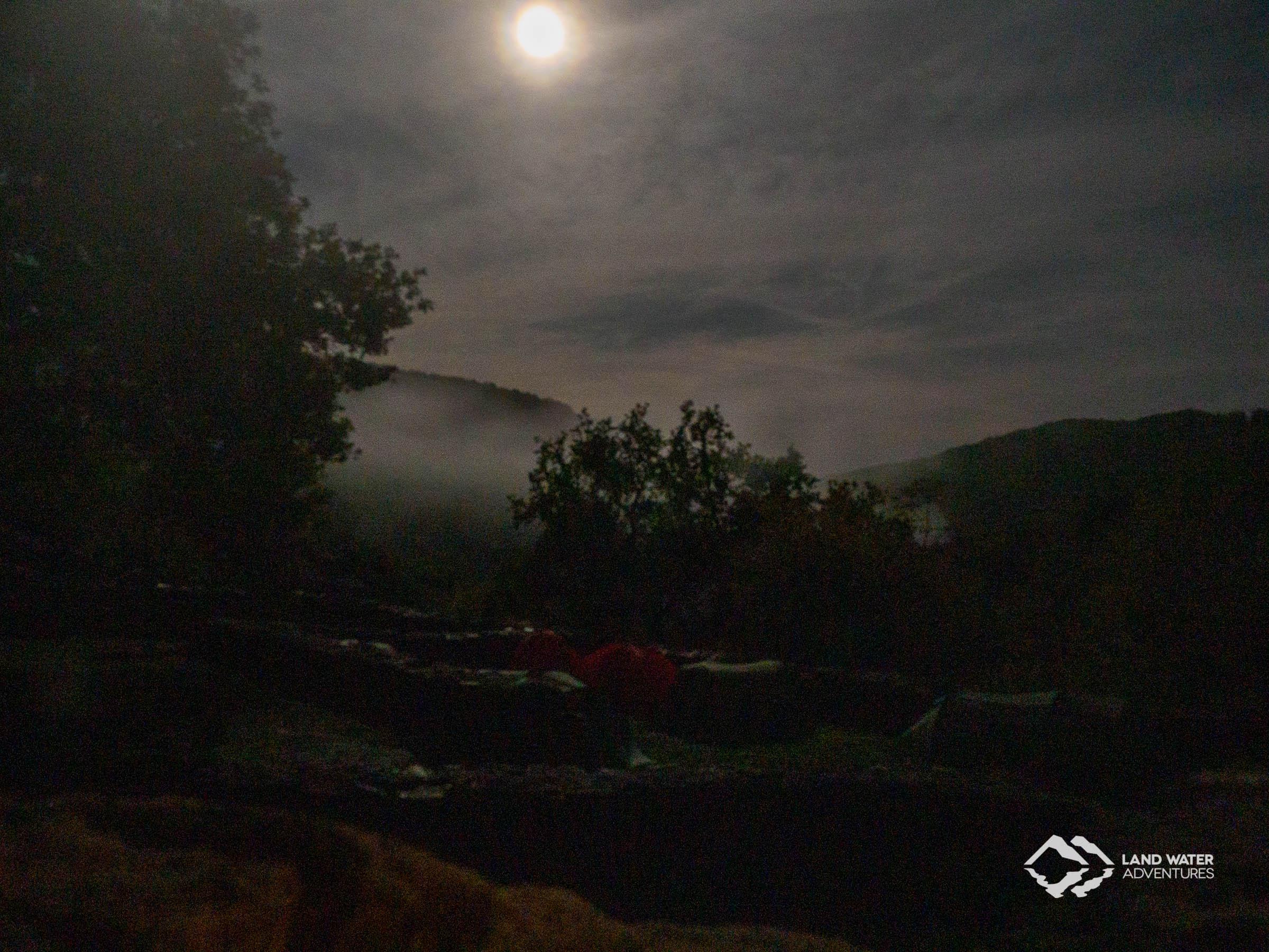 Nacht auf der Schmidtburg © Land Water Adventures