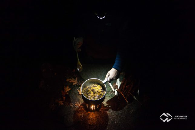 Chilli con Carne vom Hobo-Stove © Land Water Adventures